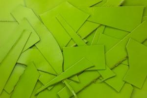 Lederreste Leder Glatt grün seidenglänzend