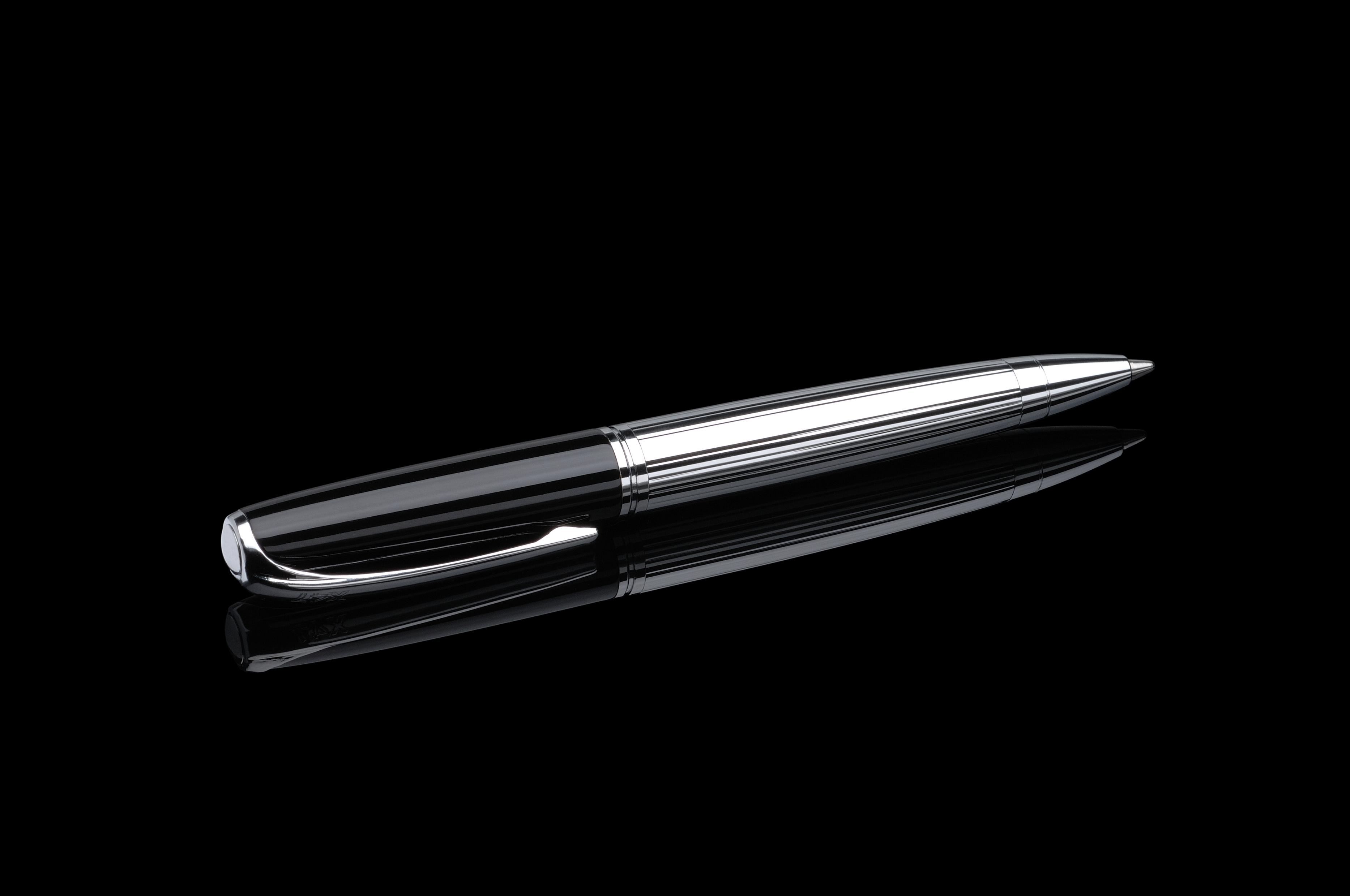 Stift N°1: Kugelschreiber schwarz/chrom